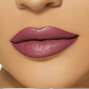 Kylie Boy Bye velvet lipstick